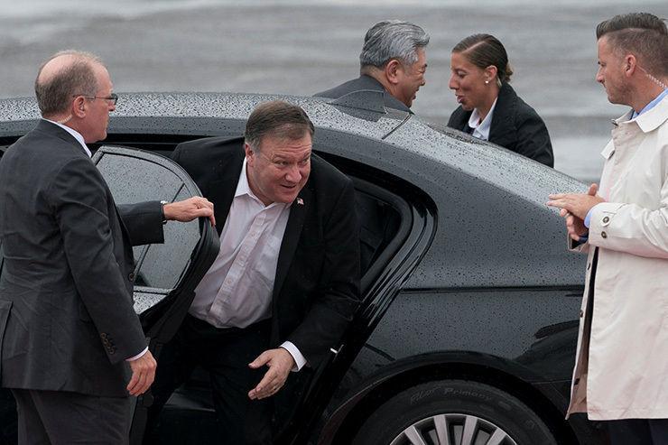 Хойд Солонгосын амлалтыг шалгахаар Майк Помпео Пёньянд ирж байна