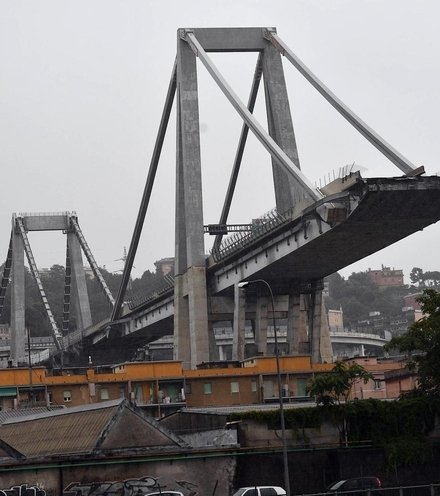 F8f5d7 genova bridge collapse 1 x220