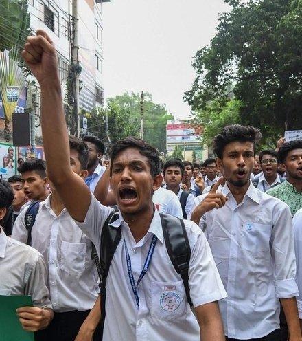B2d3ea bangladesh protest x220