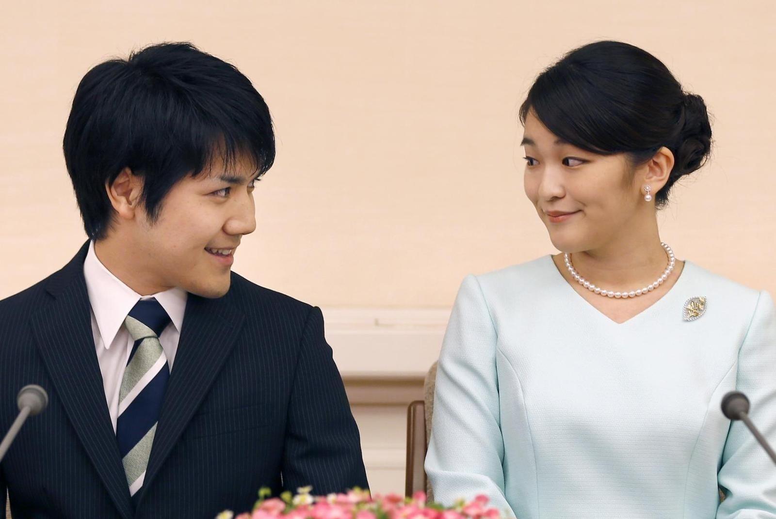 Японы гүнжийн ХУРИМ сүйт залуугийн ӨРний асуудлаас болоод ХОЙШИЛЖЭЭ