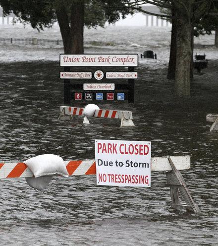 F8d090 180914 hurricane florence storm surge flooding 2 x220