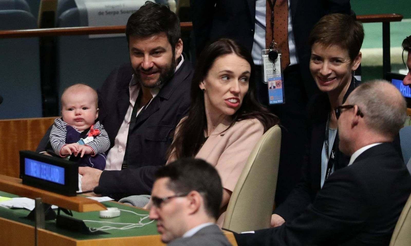 Шинэ Зеландын ерөнхий сайд НҮБ-ын чуулганд нялх хүүхэдтэйгээ оролцож байна