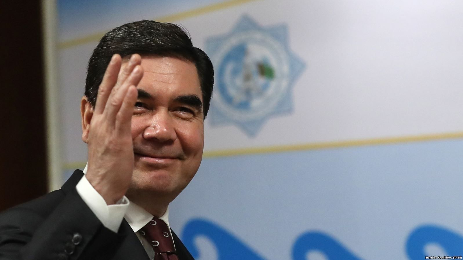 Туркменистан улс иргэдээ үнэгүй хий, ус, цахилгаанаар хангадаг байснаа зогсоохоор боллоо