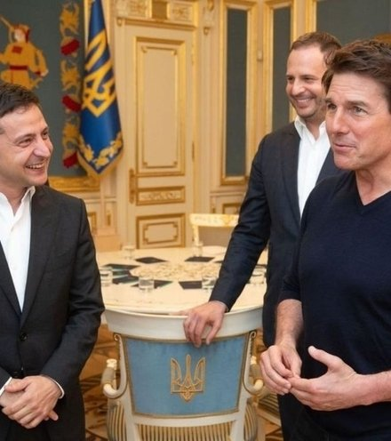 879d49 zelensky tom cruise x220