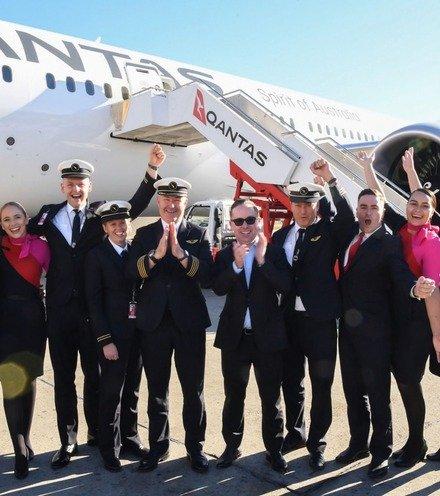 Be0134 qantas longest trip x220