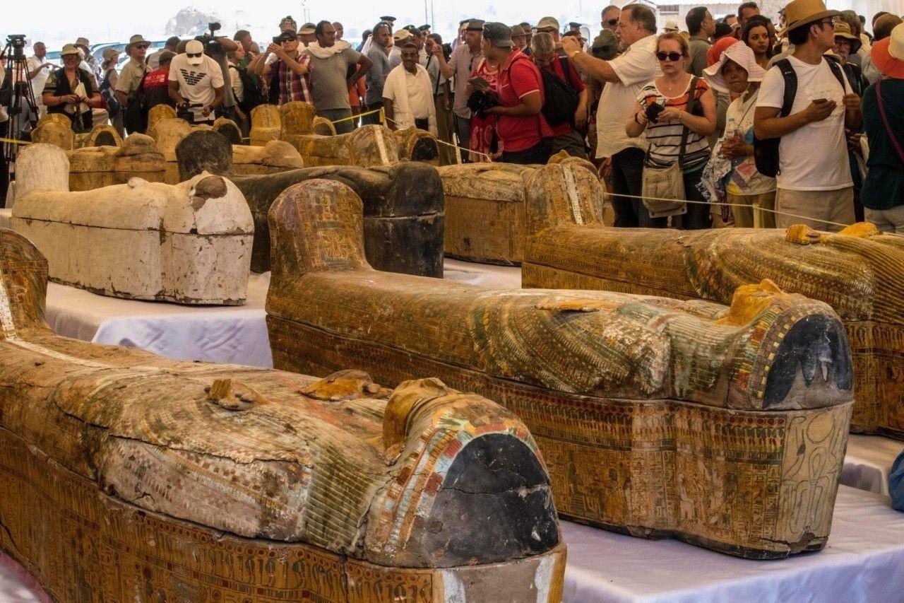 Египет улс эртний 30 мумиг шинээр илрүүлснээ танилцуулжээ