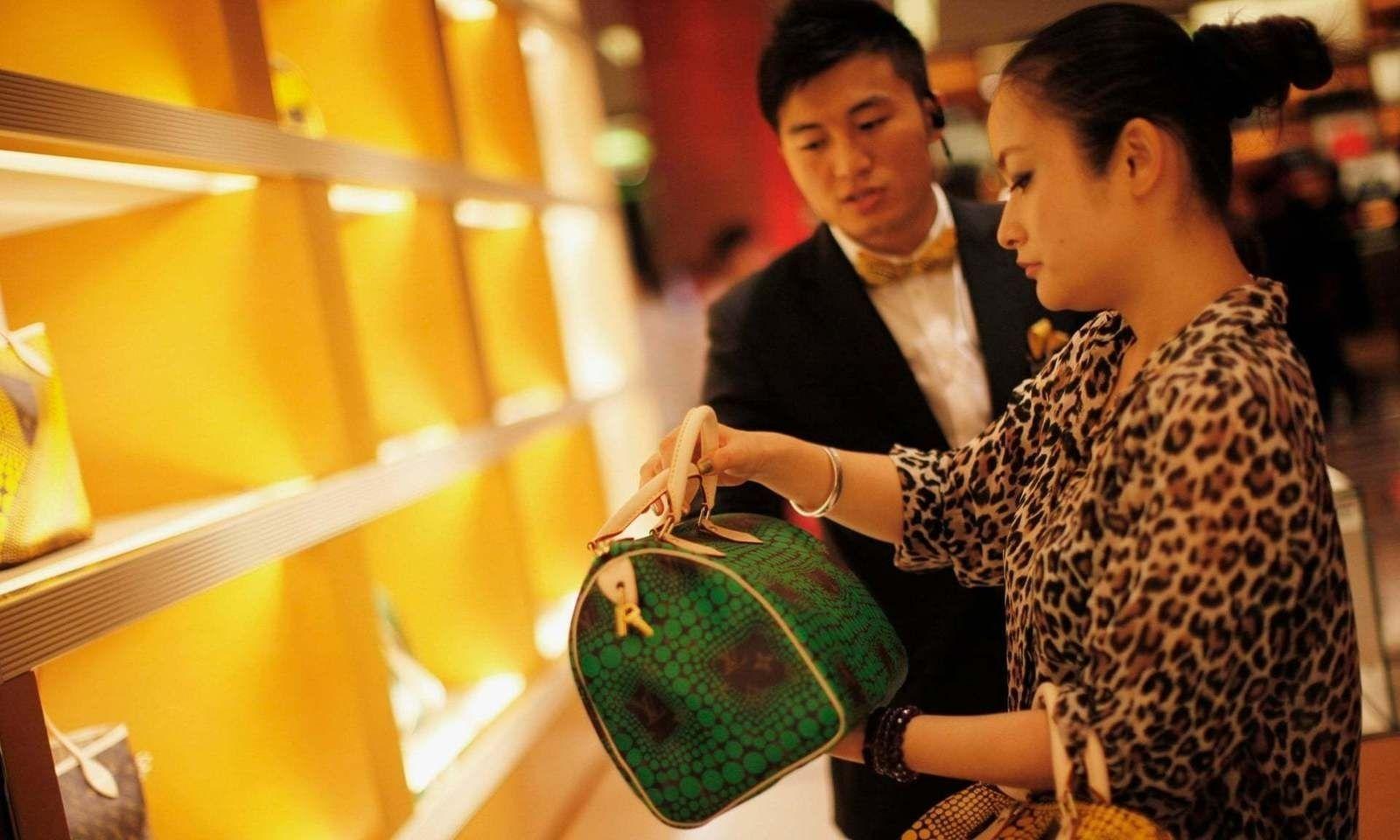Баячуудын тоогоор Хятад улс анх удаа АНУ-ыг гүйцэж түрүүлжээ