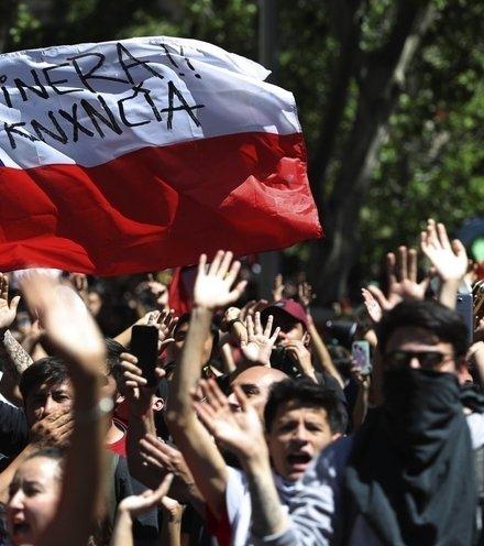 3adc80 chilean protest x220