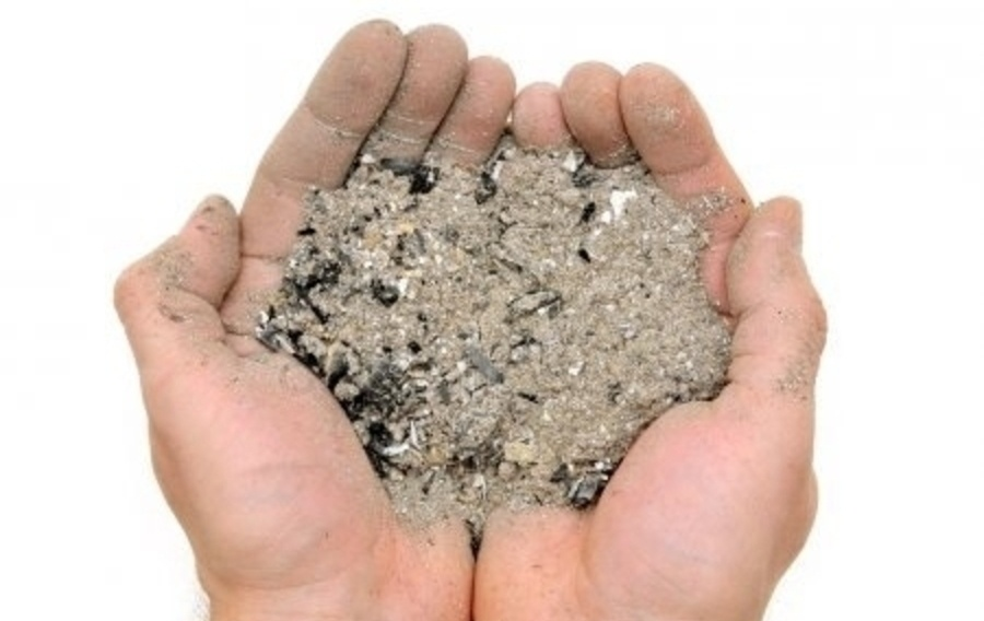 16069b depositphotos 42230917 stock photo handful ashes h450