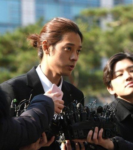 B3293f jung joon young x220