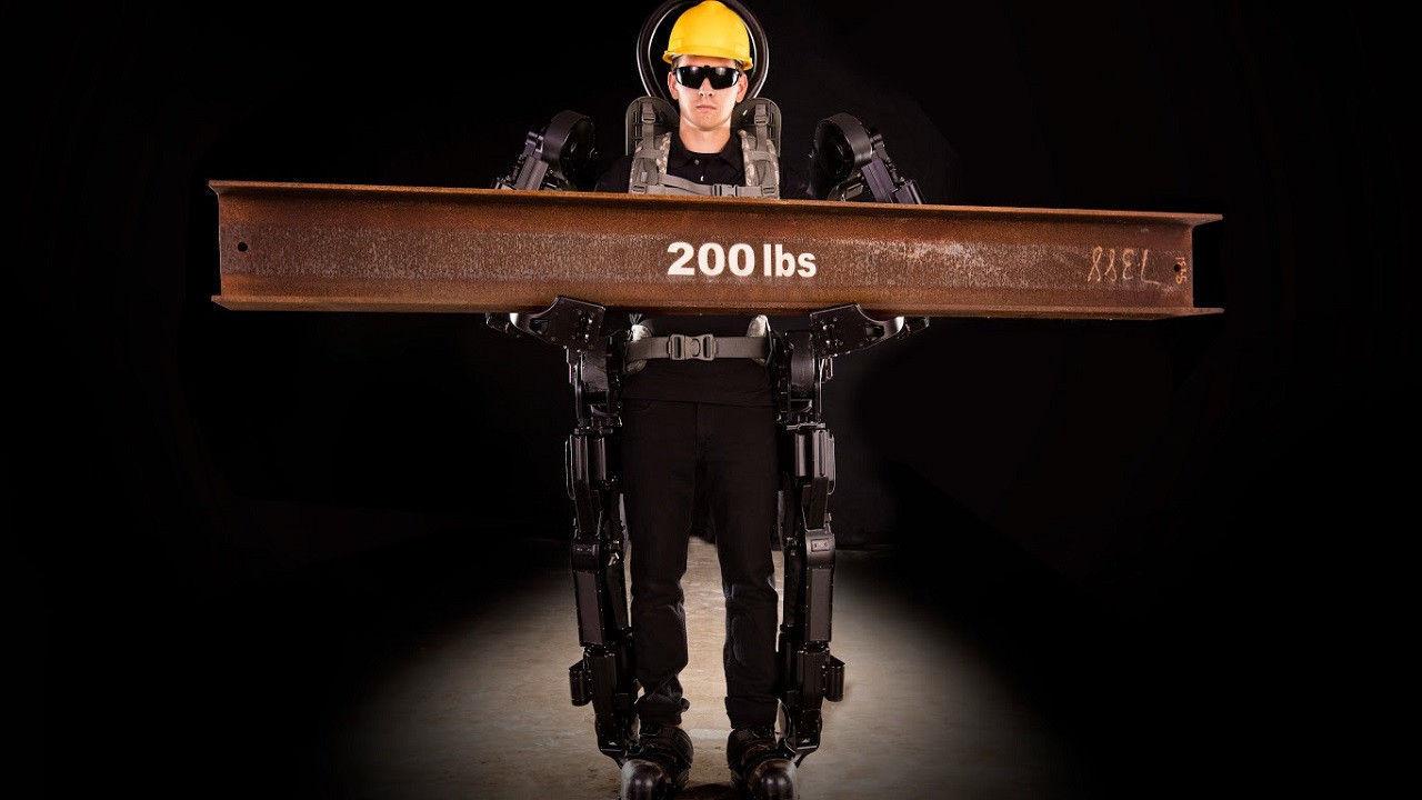 """Хүнийг 20 дахин хүчтэй болгох """"өмсдөг робот""""-ыг бүтээжээ"""