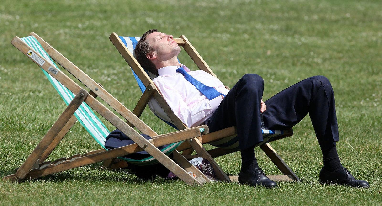 Дөрвөн ажлын өдөртэй долоо хоногт шилжихийг эдийн засагчид зөвлөжээ