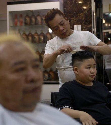 6c90bb trump kim haircut x220