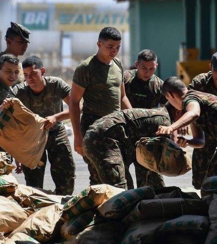 6a27f9 venezuela soldiers x220