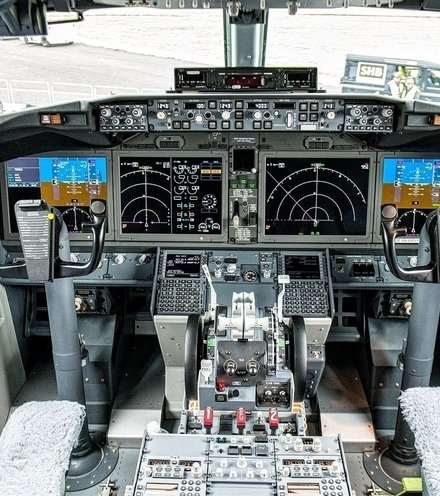 0ece90 boeing 737 max cockpit layout x220