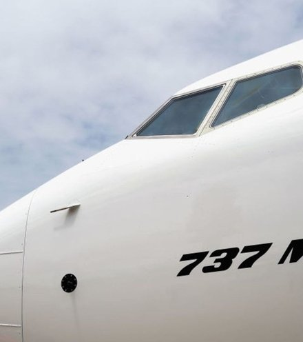 16b1ce boeing 737 max 8 x220