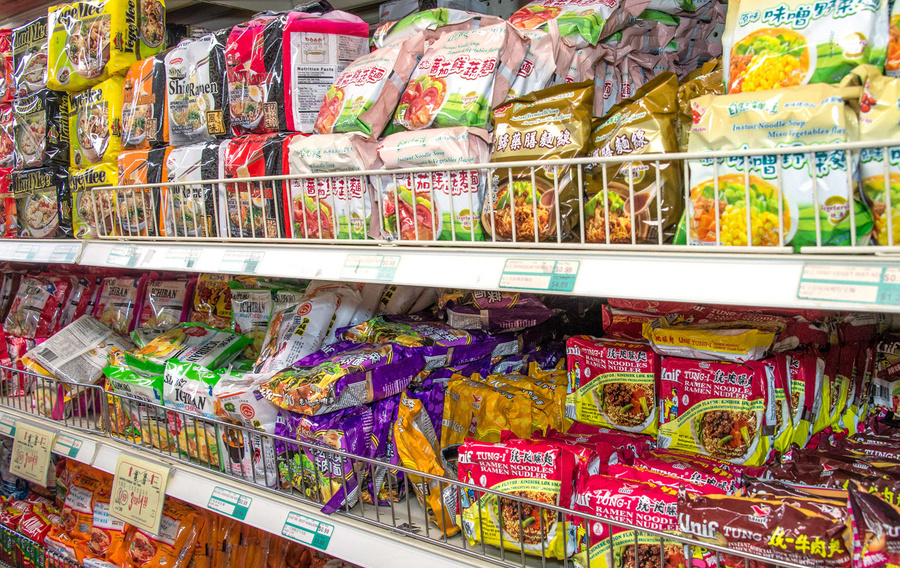 76a4ef 20140724 asian noodle guide you mian aisle kevin cox edit h450