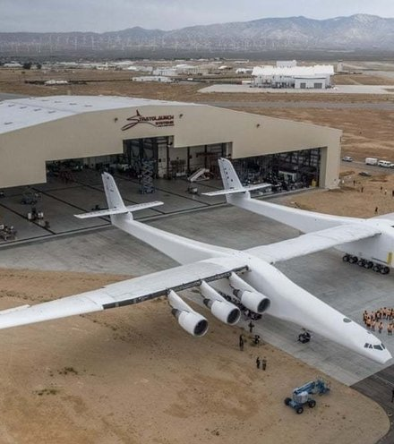 906a69 stratolaunch x220