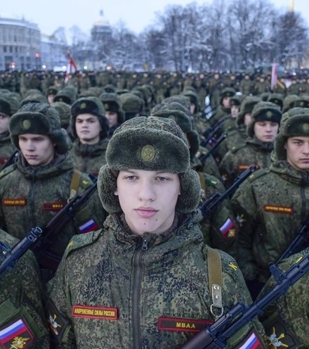547951 russian soldiers x220