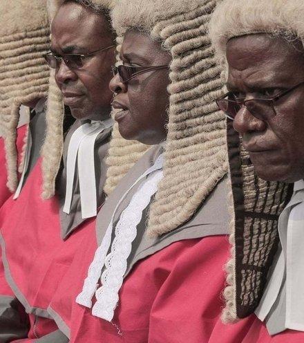 0f4a78 zimbabwe judges x220