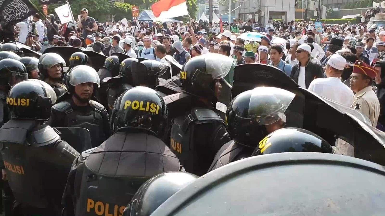 Сонгуулийн дүнг зарласны дараа Индонезид мөргөлдөөн гарснаас 6 хүн амиа алдлаа