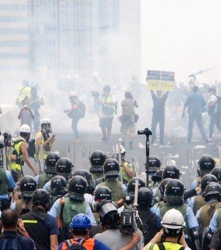 Fcb26a hong kong protest 1  x220
