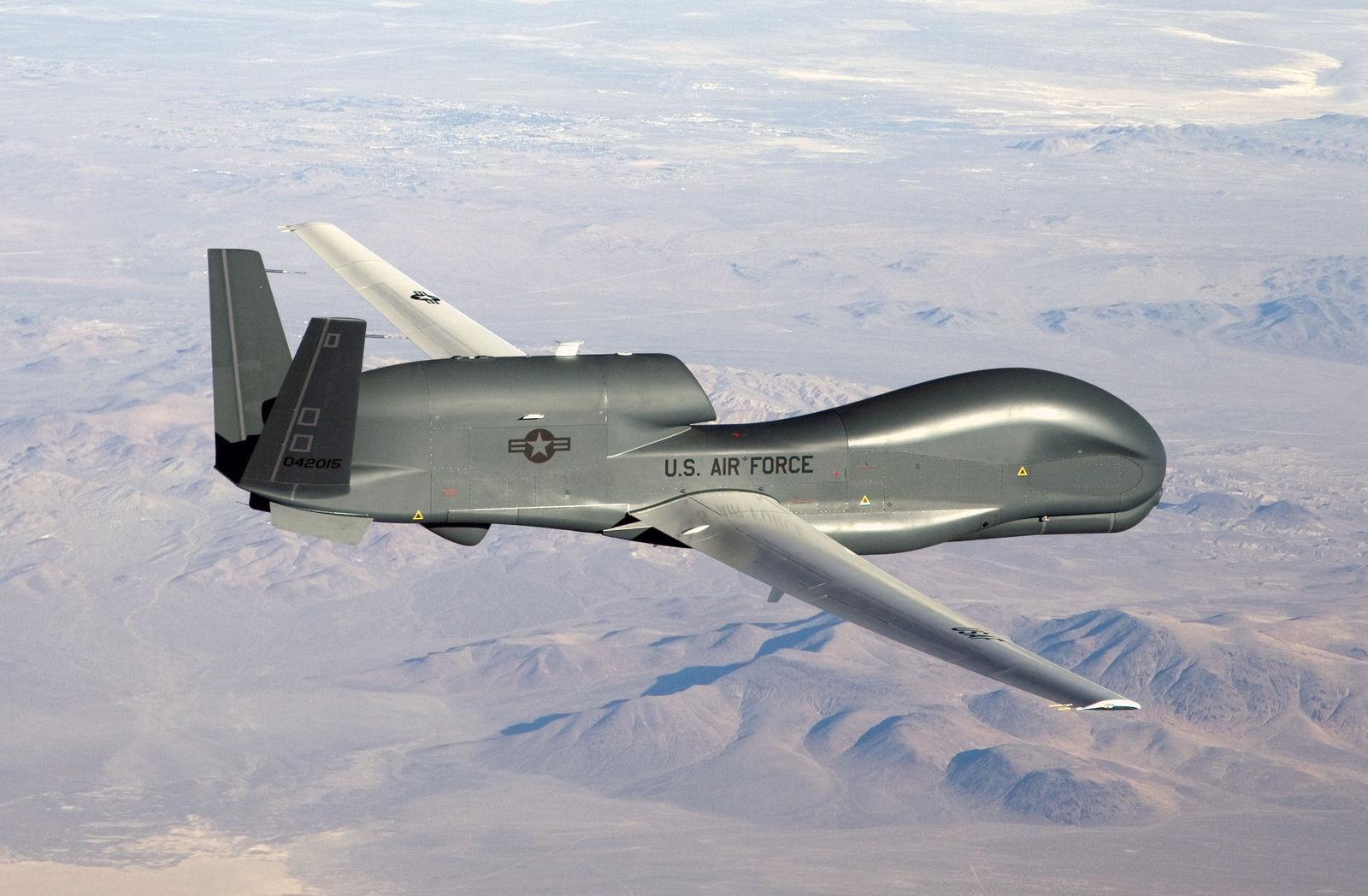 Иран улс АНУ-ын армийн дроныг буудаж унагаснаа зарлав