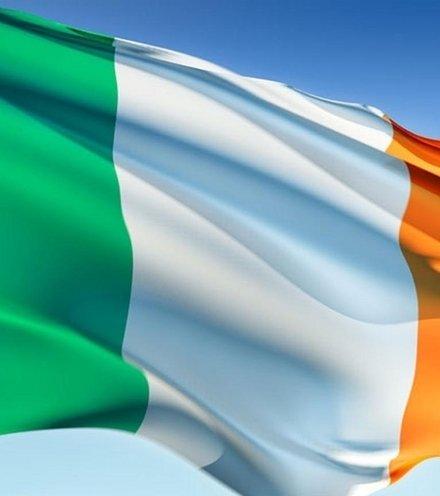 Bc6caa ireland flag 8x5 1 3 x220