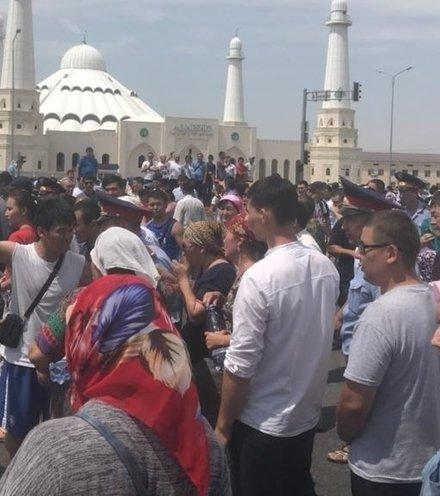B01b0b kazakhstan protest arys x220