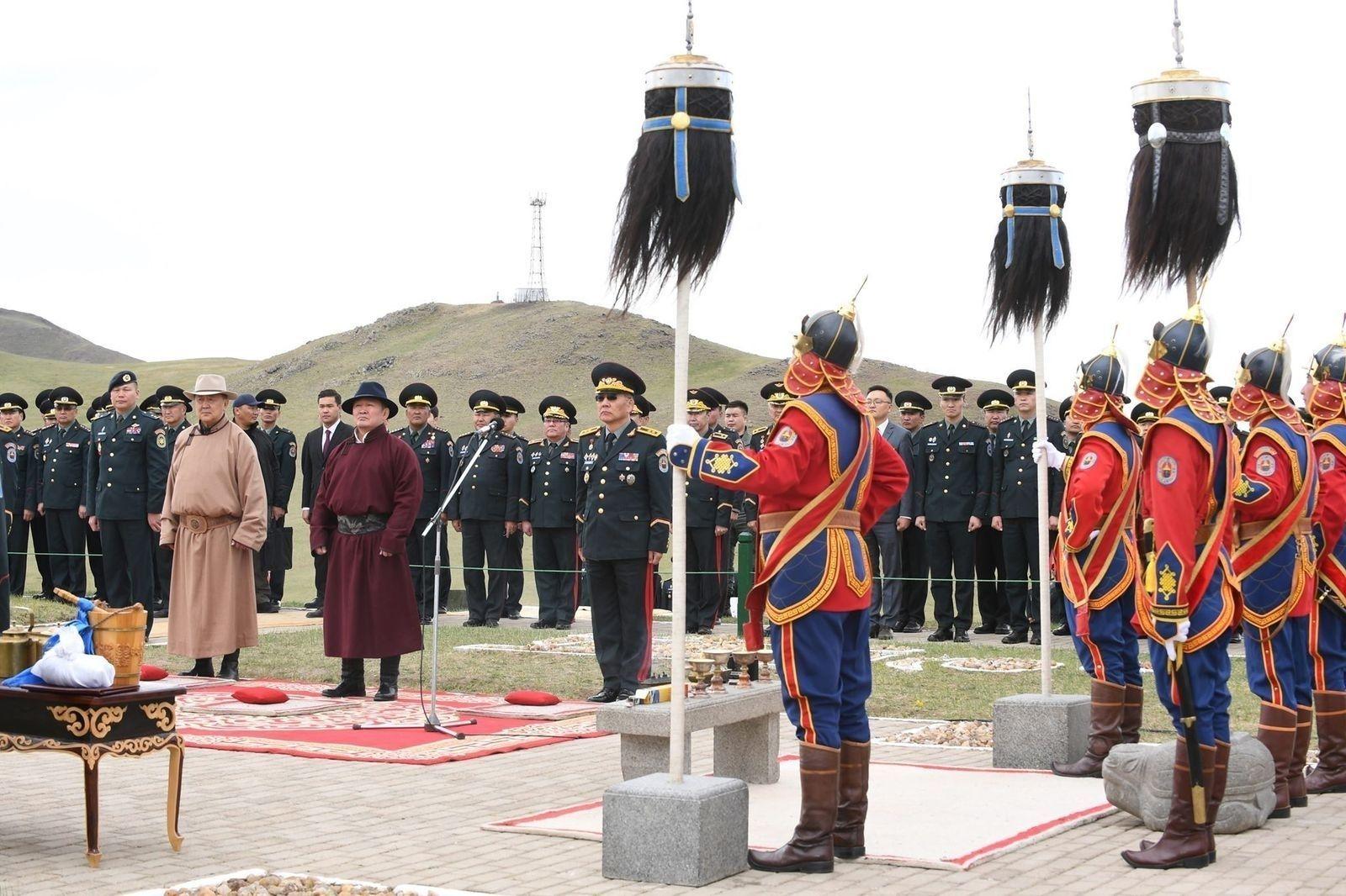 Бүх цэргийн Их хар сүлдийг цэнгүүлэн тайх ёслол боллоо