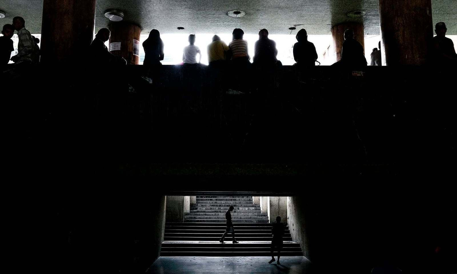 Венесуэль улсыг дахин харанхуй нөмөрлөө