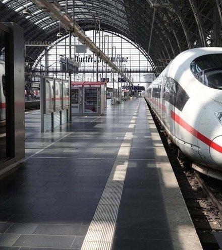 25e418 train germany x220