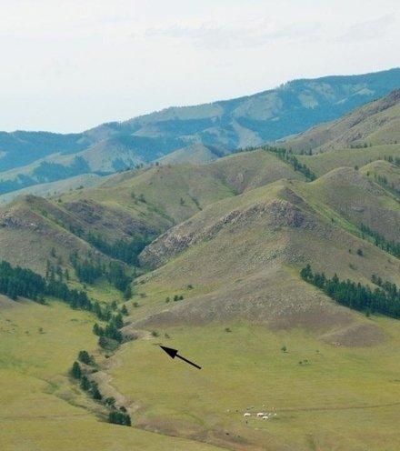 9da9a4 stone northern mongolia site x220