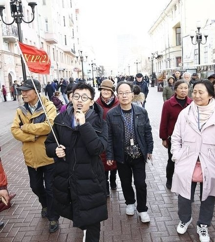 7dda9c chinese tourists in russia x220