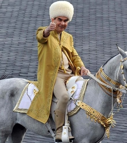 04f5bd turkmen president on horse x220