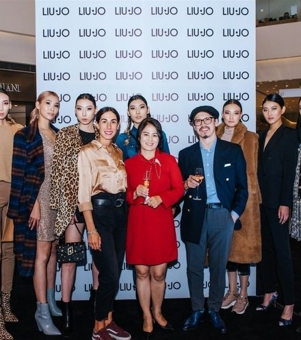 E00e1f liu jo opening shangrila mall ulaanbaatar 2019 sunikophoto fullsize 300dpi 119 x220