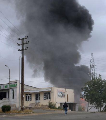 P1jpsq azerbaijan city attack x220