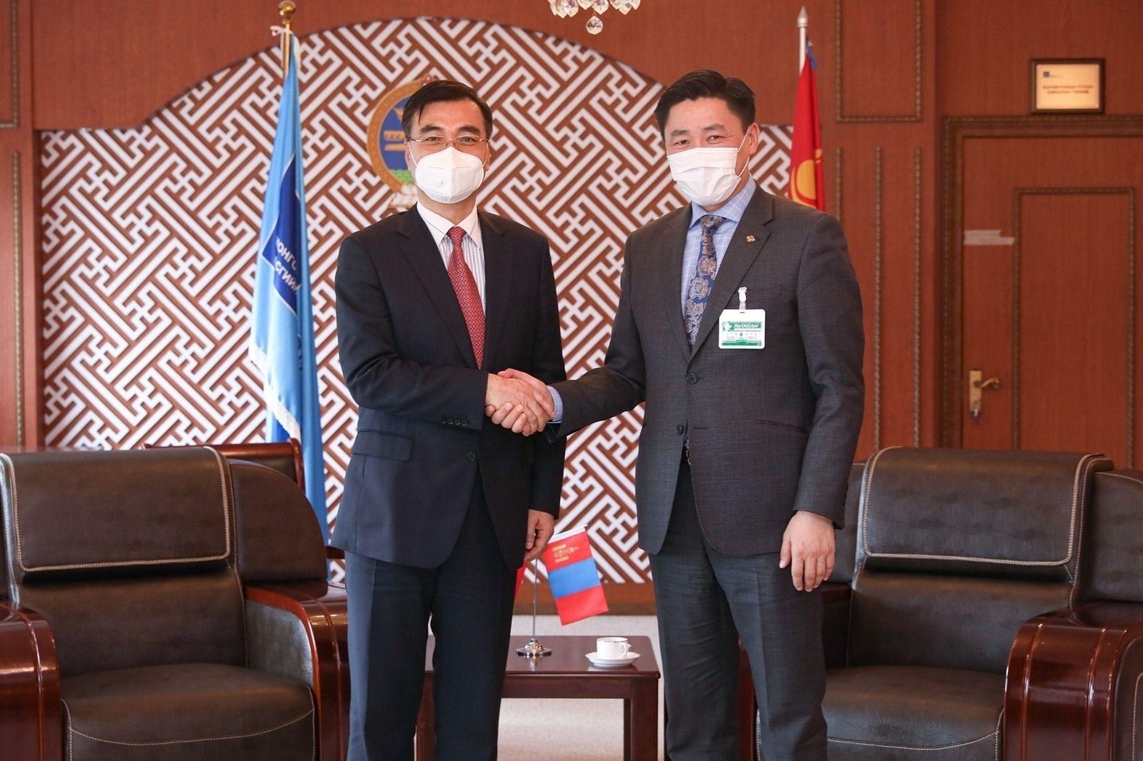 Монгол, Хятадын Солилцооны тусгай тэтгэлэгт хөтөлбөрийг таван жилээр сунгах талаар санал солилцов