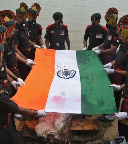6soksi indian soldiers death x220