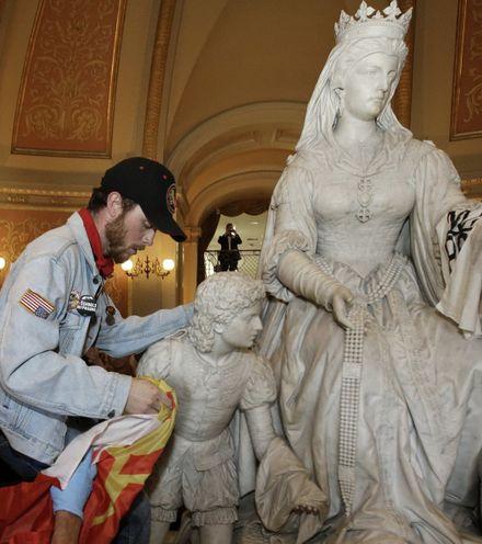 Gzgydn spanish statues in usa x220