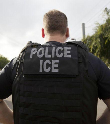 Vj0d5y ice police 2 x220