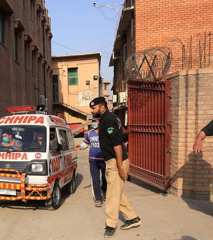 J65n03 pakistani murder blasphemny x220