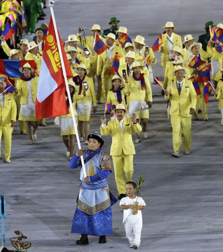 1l7w0p mongolian in the parade of nations at the opening of rio summer olympics x220