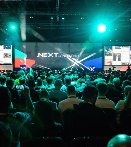 1mt0it img next conference audience stage 1  x220