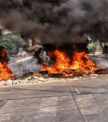 Lyqaum myanmar protest x220