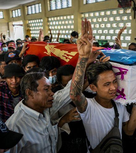 8zokog myanmar protest x220