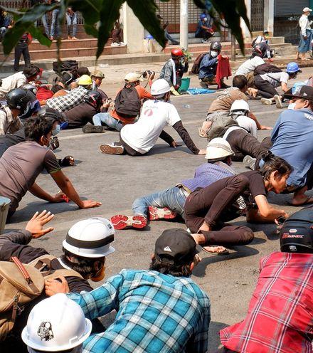 8r04r6 myanmar protest x220