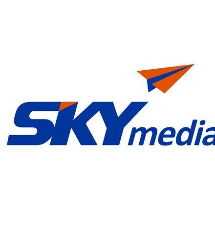 Crh57x skymedia logo x220
