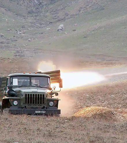 D2av8w tajik kyrgyz border fight x220