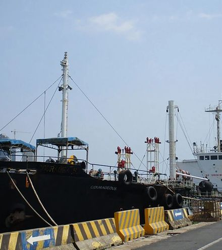 Lphy10 oil tanker singapore to nkorea x220
